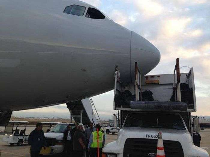 Водій вантажівки потрапив на 30 мільйонів доларів (7 фото)