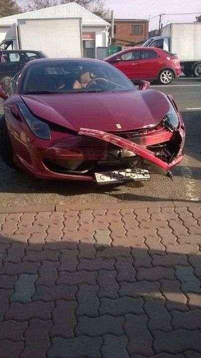 Аварія стала причиною дострокового припинення статевого акту (7 фото)