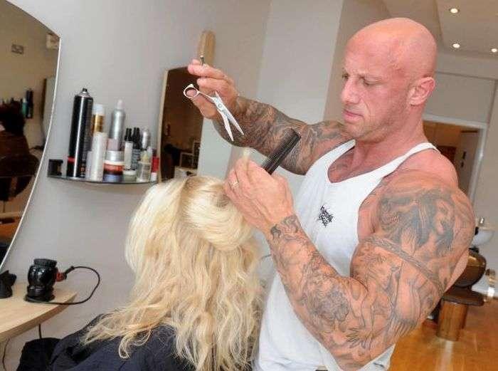 Жіночий перукар і бодібілдер в одній особі (10 фото)