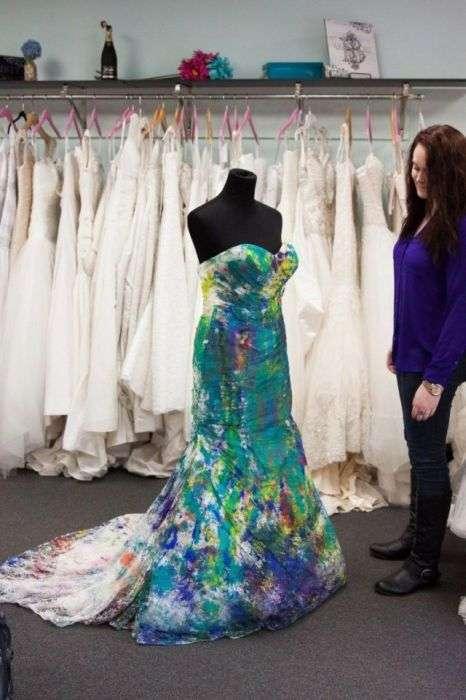 Дівчина позбулася депресії, зіпсувавши весільну сукню (22 фото)