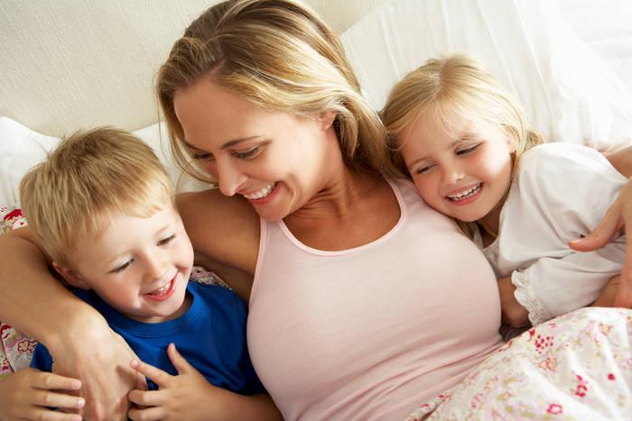 6 невербальных способов сказать ребенку «я тебя люблю» воспитание,Дети,Жизнь,Отношения,проблемы