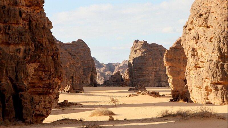 Могучие скалы и древние рисунки. Тассилин-Аджер Интересное
