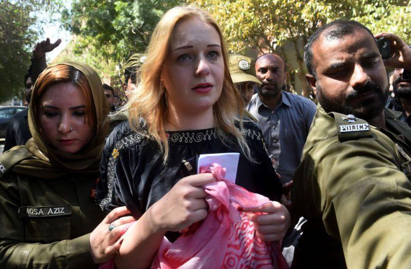 Пакистанские каникулы строгого режима: модель из Чехии получила 8 лет тюрьмы за попытку перевезти 8,5 кг героина путеествия, Путешествие и отдых