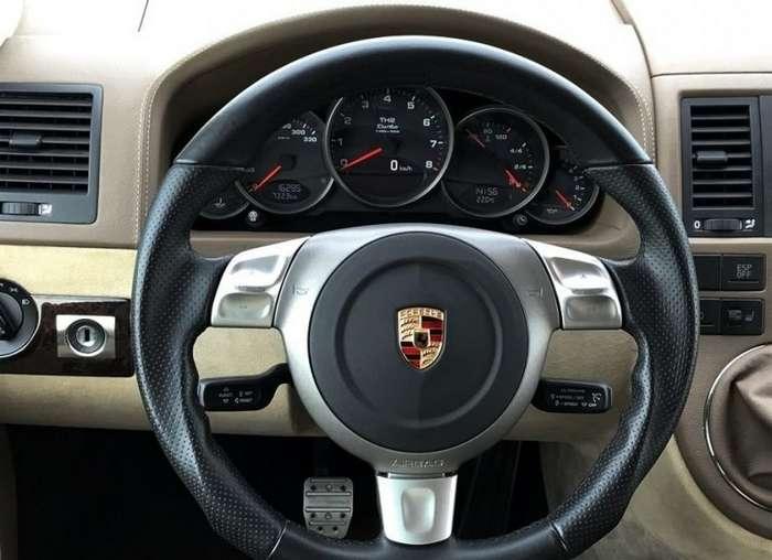 Микроавтобус Volkswagen Multivan с двигателем от Porsche 911 Turbo авто