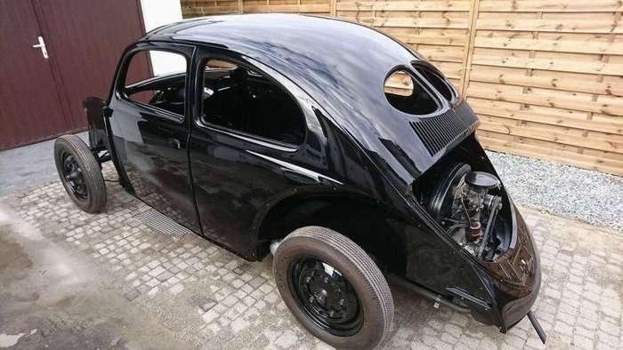 Самый старый в мире Volkswagen Beetle полностью сгорел, но был восстановлен авто