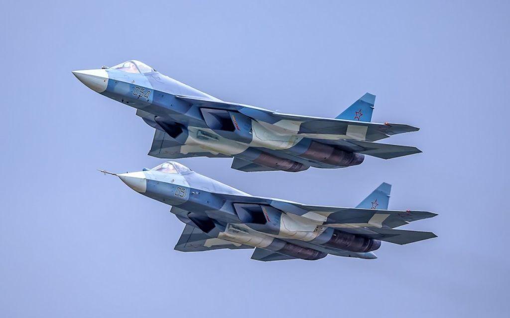 За что американцы критикуют российский истребитель Су-57? военные, Армия и флот