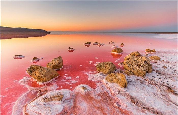 Великолепие крымского «гнилого моря», пейзажи которого так похожи на марсианские: 25 фотографий озера Сиваш