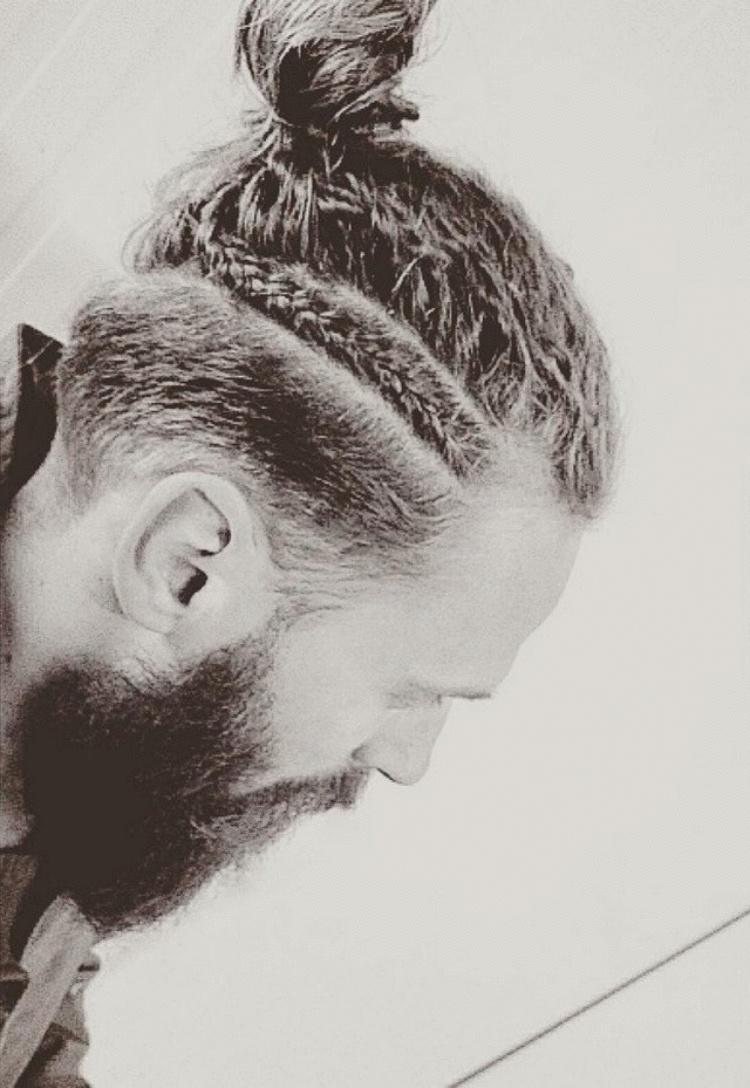 Роскошные косы — новый тренд среди мужских причесок
