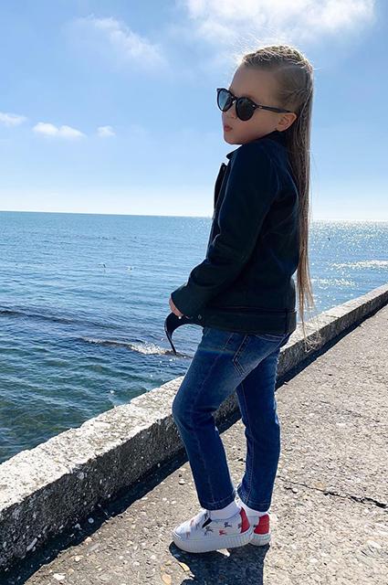 Кристина Асмус отдохнула в Сочи вместе с подросшей дочерью Звездные дети