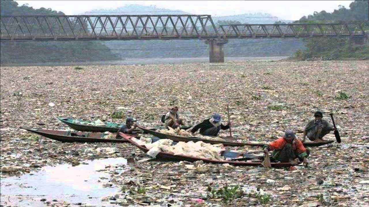 Читарум – самая грязная река в мире Индонезия