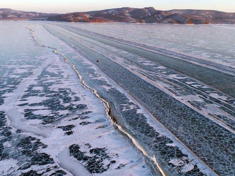 Автомобильная дорога по льдам Енисея дороги