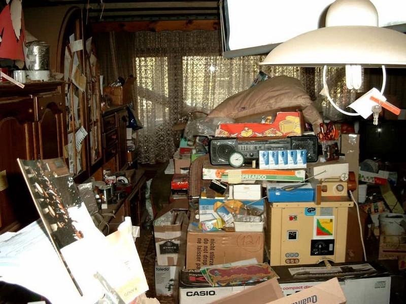 Вещи, которые, согласно приметам, нельзя держать дома домашний очаг...