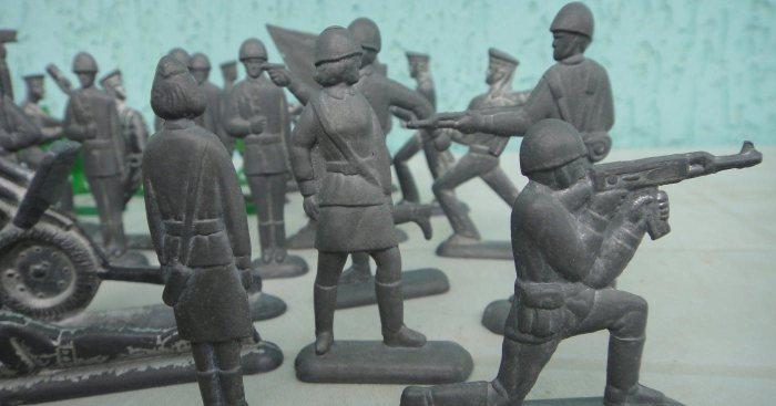 Детские игрушки советских времен