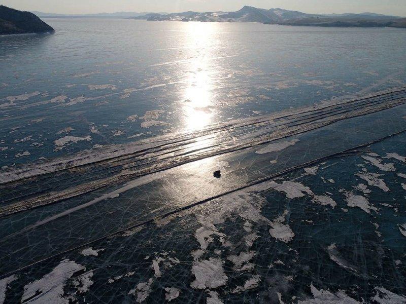 Автомобильная переправа по льду Енисея Енисей