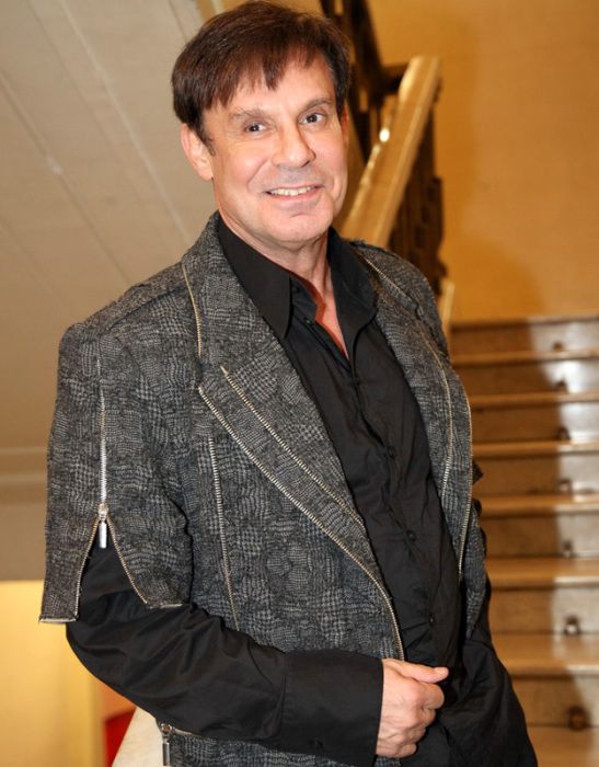 Российские знаменитости в возрасте за 60, которые дадут фору молодым