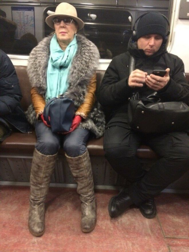 25 снимков, доказывающих, что в метро своя особая мода жизненное