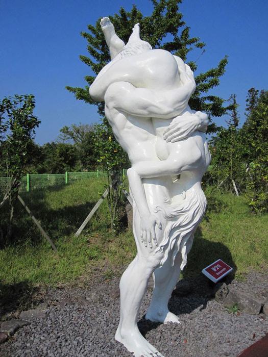 Любовь напоказ: 16 сексуальных фантазий, запечатленных в скульптуре интересное