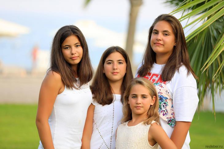 Жена начальника Владикавказа, мать 10-х детей, открыла секрет своей молодости и красоты разное